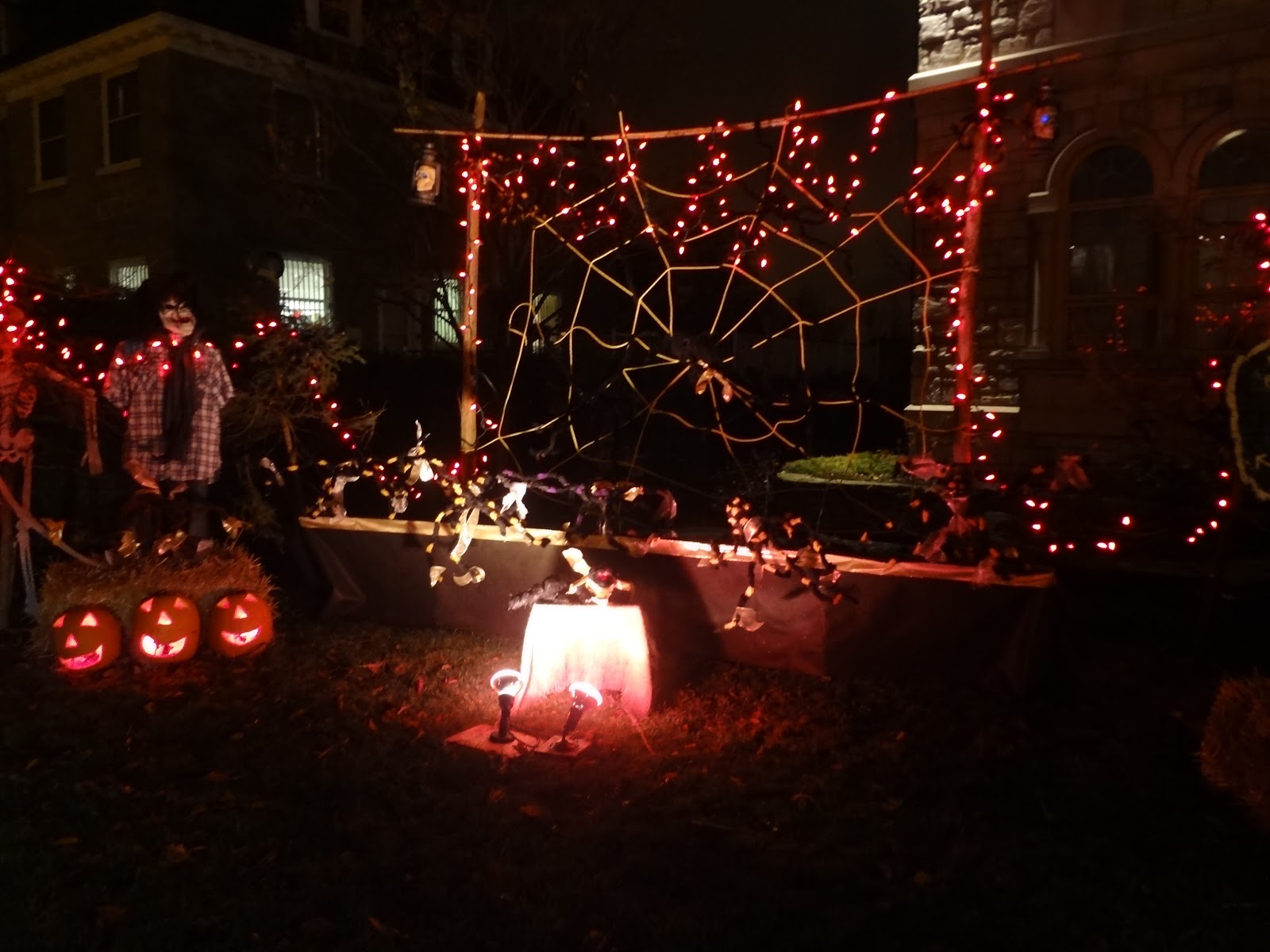 rich awesome halloween houses