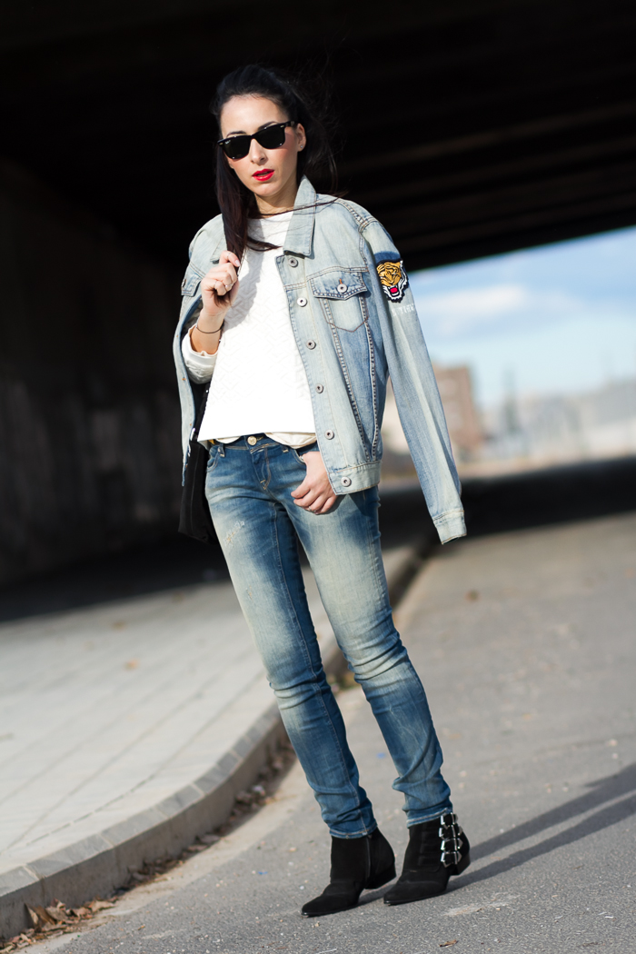Outfit styled by withorwithoutshoes Fashion Blogger with Meltin' Pot Push Up Jeans, Jennyfer denim jacket and Ray-Ban Wayfarer