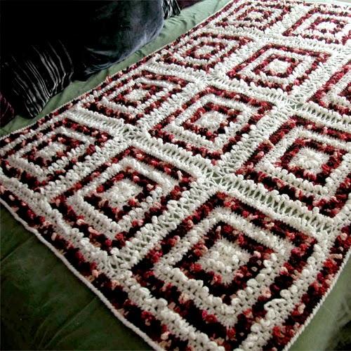 Groovy Loops Square afghan