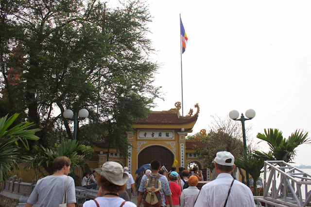 Heading to the oldest pagoda of Tran Quoc Pagoda in Hanoi, Vietnam