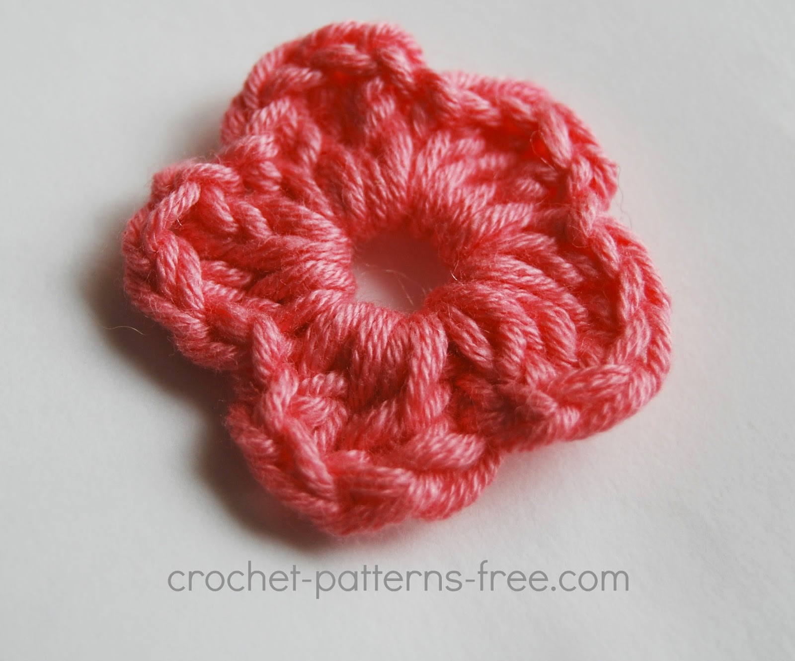Small crochet flower patterns free crochet patterns free 2nd tiny crochet flower this bankloansurffo Images
