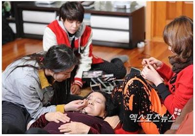 Jiyoung Kara dan Suzy Miss A Make-Up