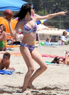selena gomez sexy bikini