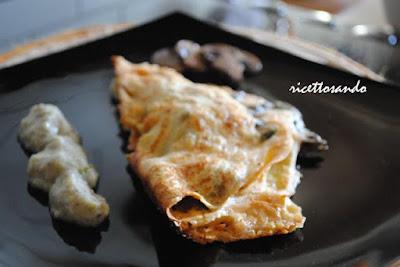 Crespelle vegetariane asparagi e funghi in crema parmentier ricetta primi