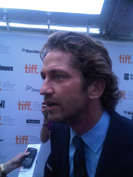 SQUEEEEE!!!!  I was close enough to kiss GERARD BUTLER!