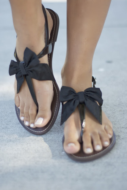 {The UNDONE Blog} Black Bow Sandals