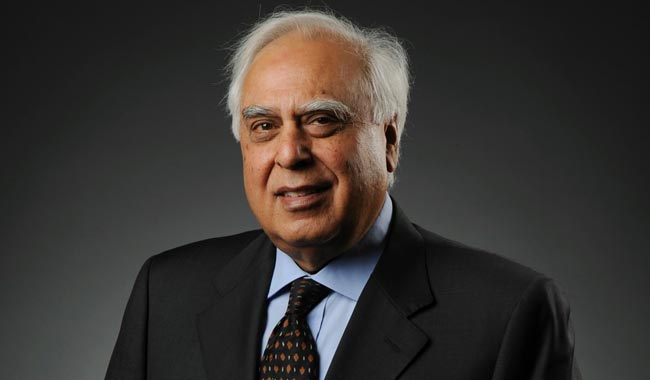 kapil sibal turns singer