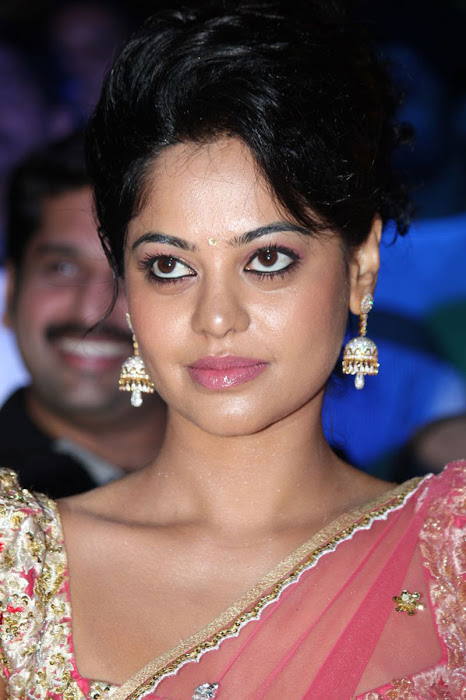 bindu madhavi new saree glamour  images