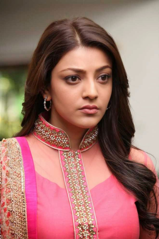 actress kajal aggarwal latest hot in pink dress photo