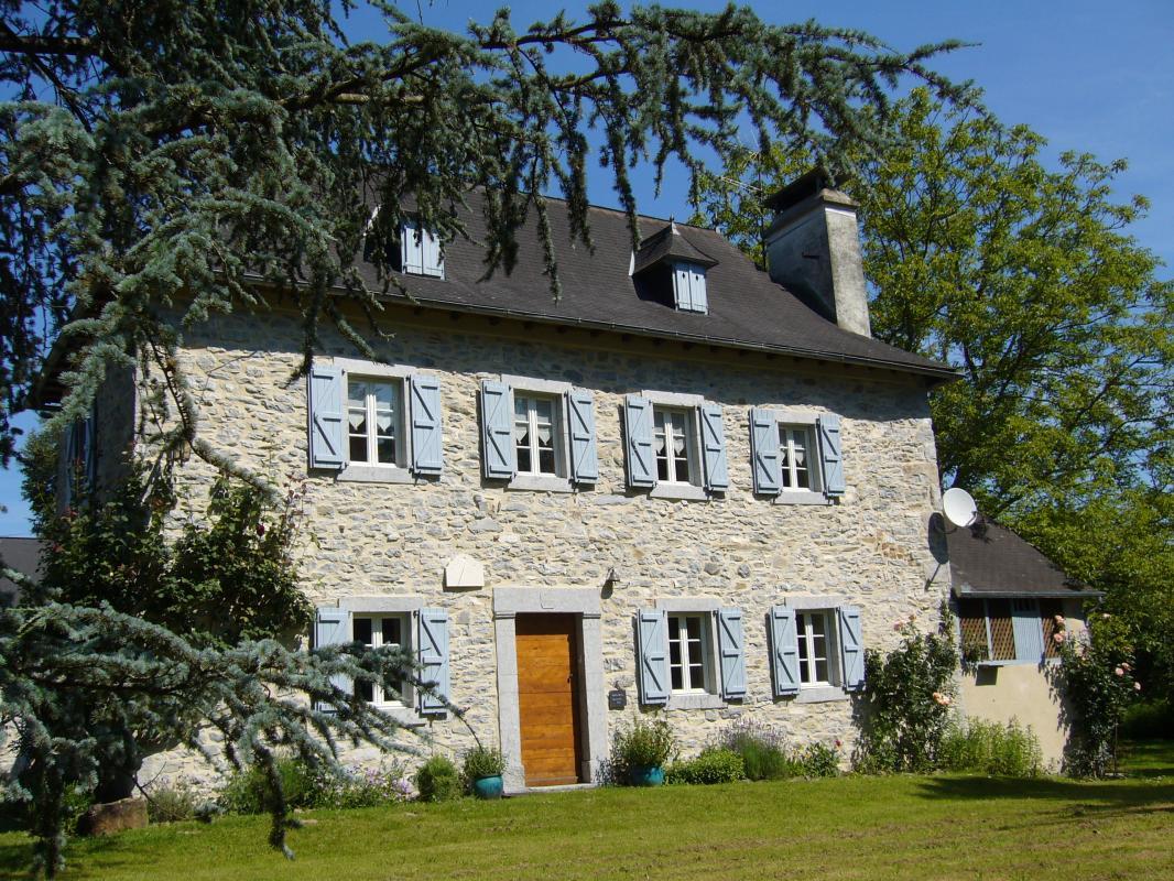 Le pays basque c 39 est aussi la maison souletine for Maison effet joule