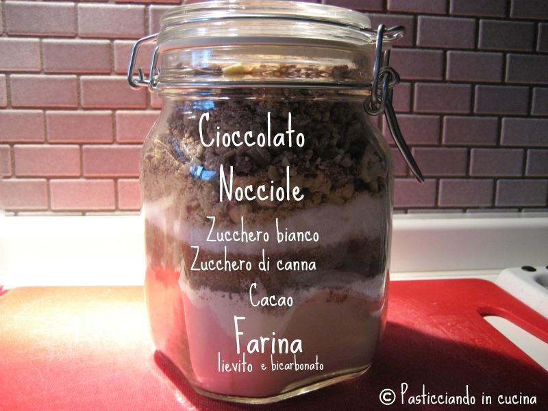 Molto Pasticciando in cucina: Idea regalo: Cookies Mix in a Jarovvero  JH13