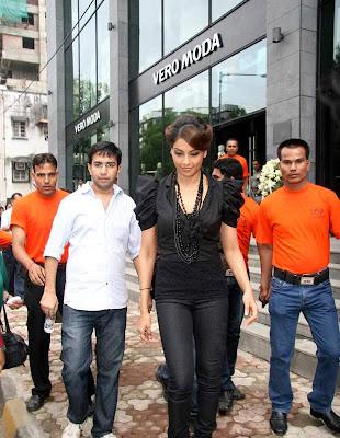Bipasha Basu arrives for the Vero Moda model auditions_Filmy Fun