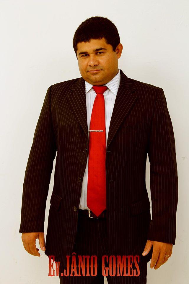 Ev. JANIO GOMES (Pregador da Palavra de Deus e Ministro de louvor).