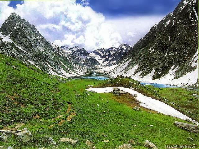 Dhamaka Lake,Pakistan