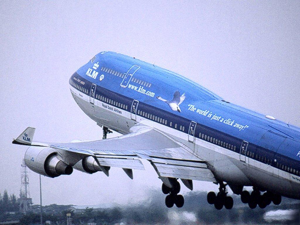 http://2.bp.blogspot.com/-akT_Ryd6seU/TxFWvH6M8hI/AAAAAAAAUgI/LCKKn3QK3-w/s1600/Boeing-747-43-CMQDQ8MSI0-1024x768.jpg