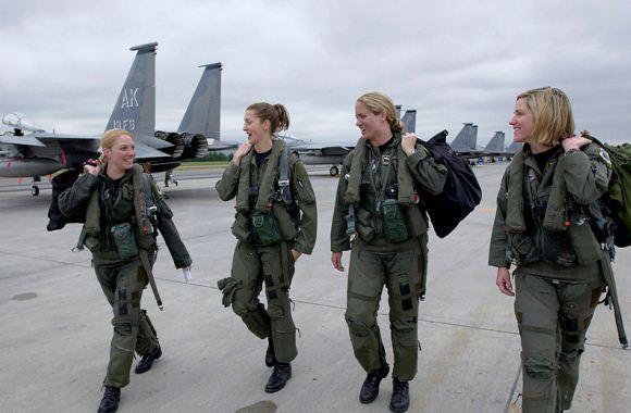 Pilot wanita F-15