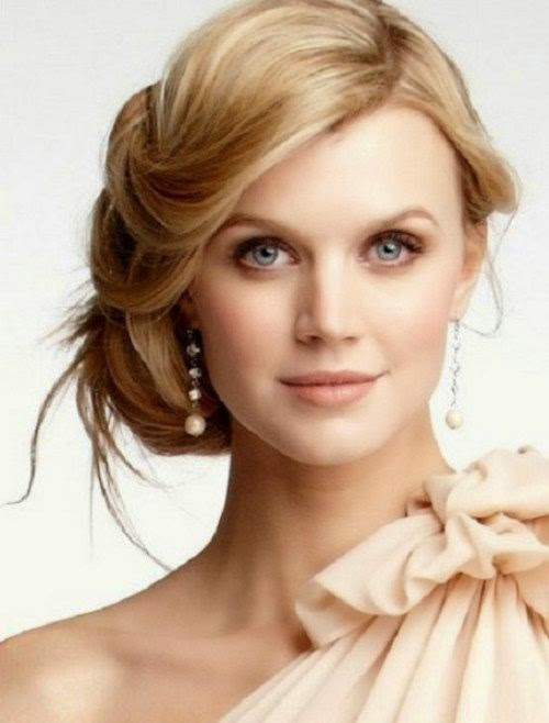 Top Medium Prom Hairstyles Trends