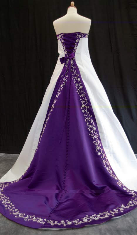 Bridal Dresses In Lighter Shades Of Purple Are Best Suited For Spring Or Summer Weddings They Evoke A Refreshing And Aesthetic Feel