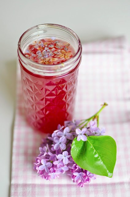 http://www.anestforallseasons.com/2013/05/how-to-make-redbud-and-lilac-jellies.html