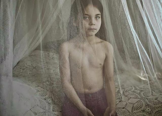 إيدا طفلة في السابعة تعيش في جرينلاند. تصوير | سيسيل سميتانا