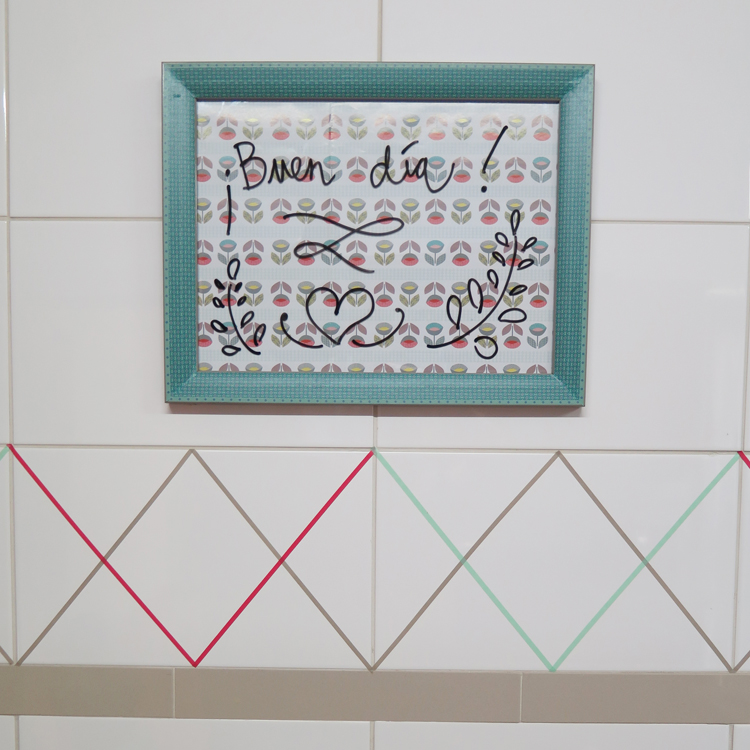 DIY: Cómo hacer una pizarra para la cocina con un marco de fotos ...