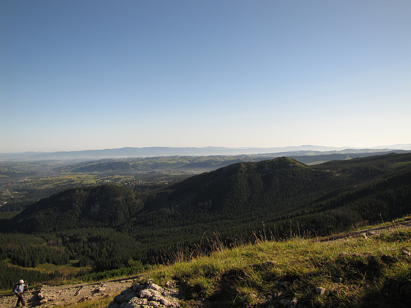 Skupniów Upłaz. Widok na Mały Kopieniec (1167 m n.p.m.) i Wielki Kopieniec (1328 m n.p.m.).