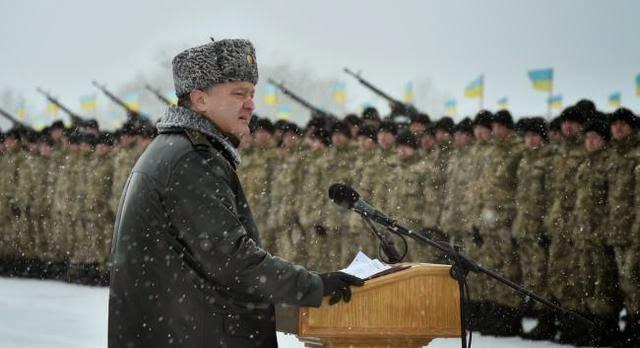 Президент Порошенко заявил о полной боеготовности армии
