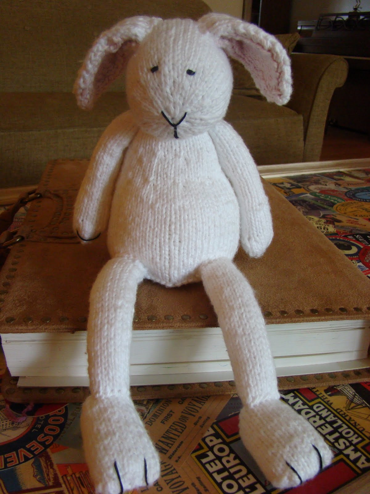 Knitted Bunnies Free Pattern : Susan B. Anderson: Bunny Knitting Season