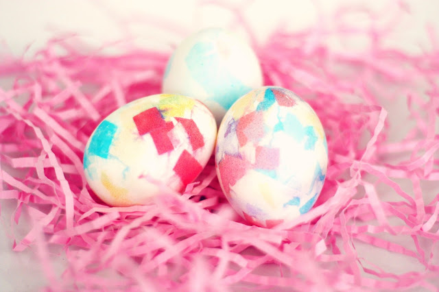 8 Easter Egg Decorating Ideas + a tutorial featured by Top US Craft Blog + The Pretty Life Girls: Bleed Tissue Dye Easter Eggs