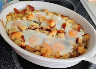Cheesy Sausage and Spinach Egg Bake