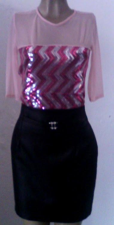 saia de cetim com blusa bordada de lantejola