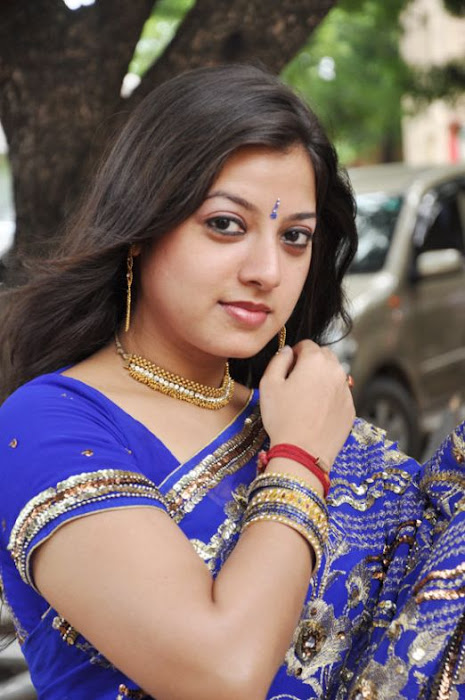 keerthi chawla spicy in blue saree glamour  images