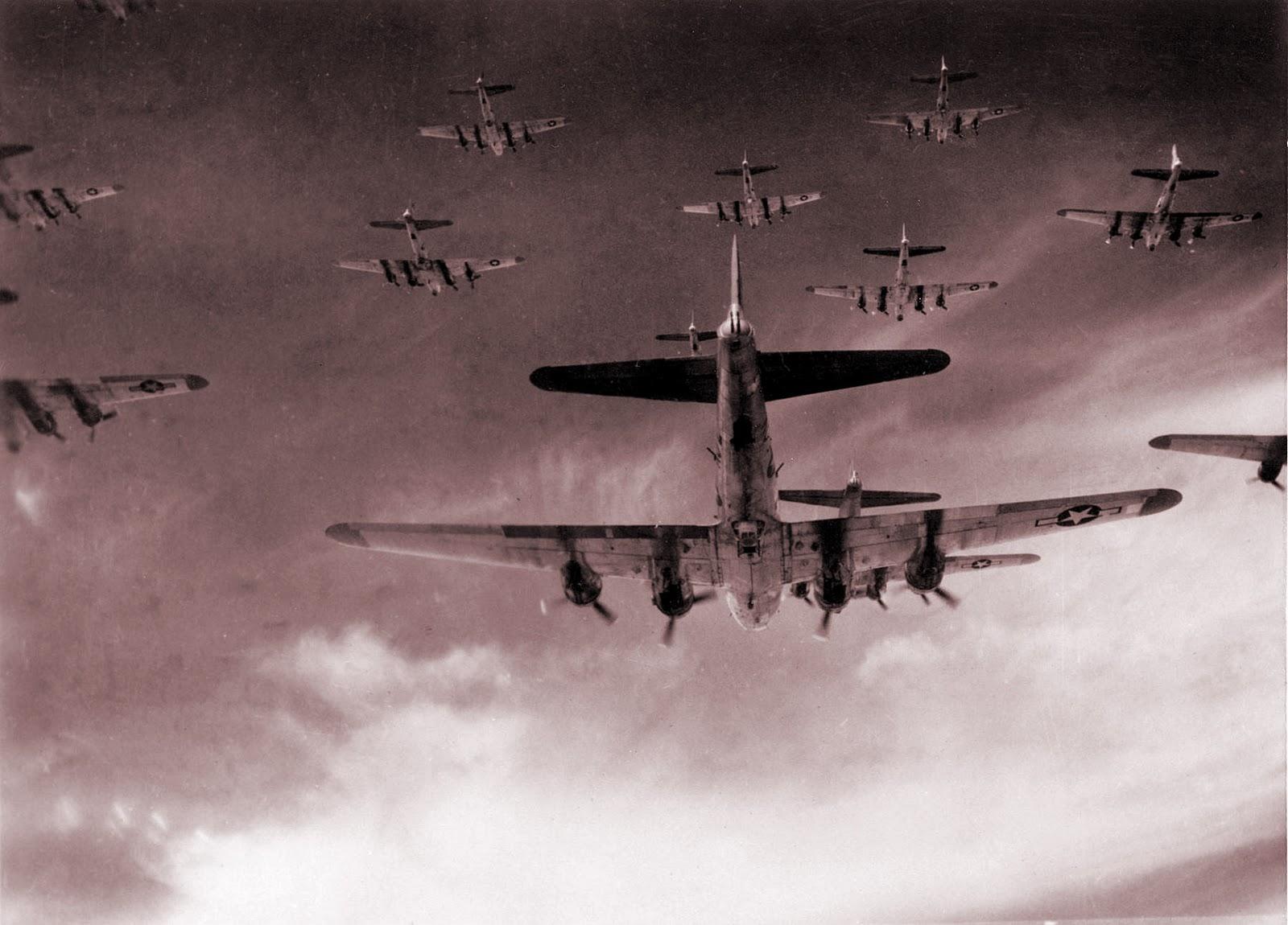 http://2.bp.blogspot.com/-amfyub4fhYs/Tq1IkvdAypI/AAAAAAAAAj8/VVa9avA5upA/s1600/World-War-2-040.jpg