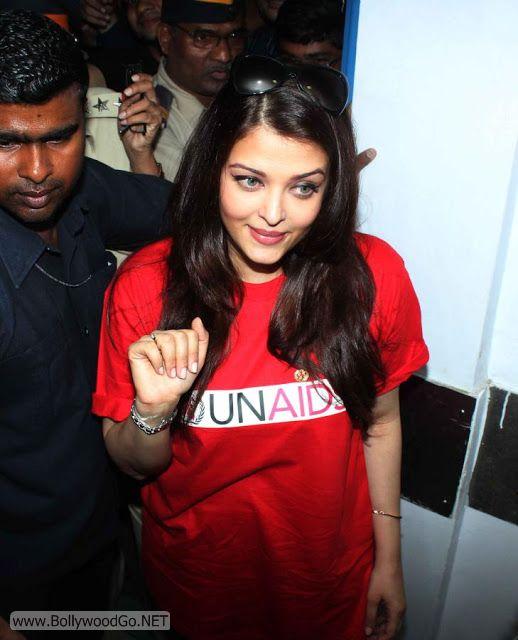 Aishwarya+Rai+in+Hospital+(4)