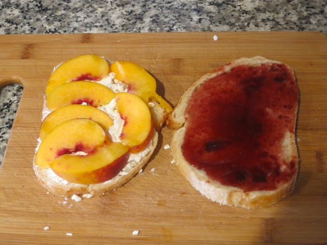 Кросотка персики и гость