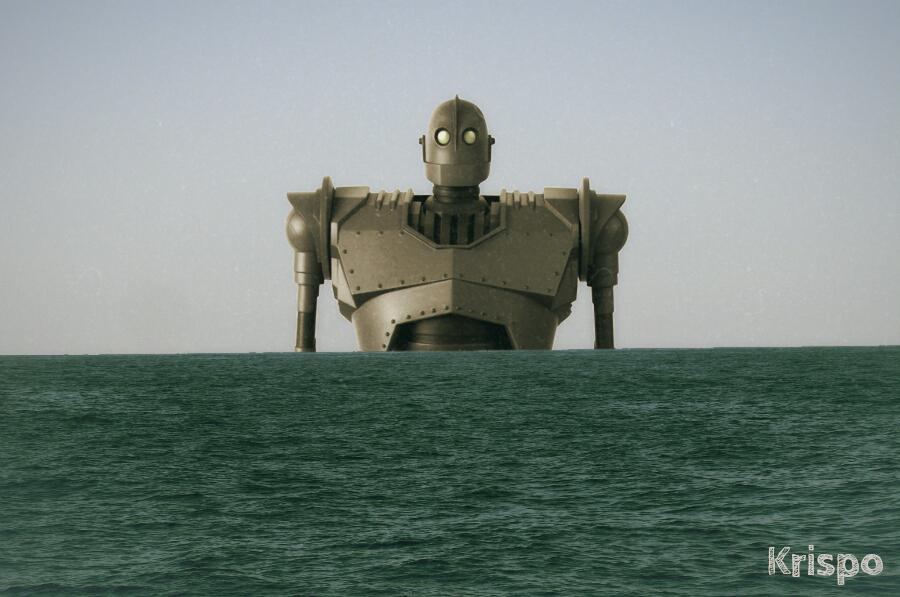 torso del gigante de hierro saliendo del mar