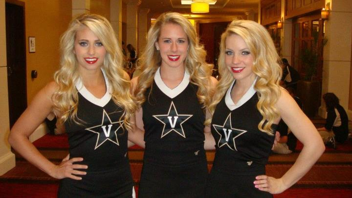 Vanderbilt Cheerleaders Ready For The Season 171 Cheerleader