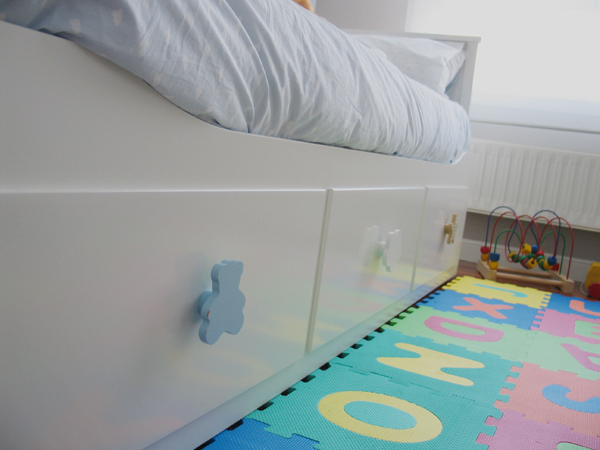 Habitaci n infantil made in ikea mummy and cute for Cama hemnes ikea