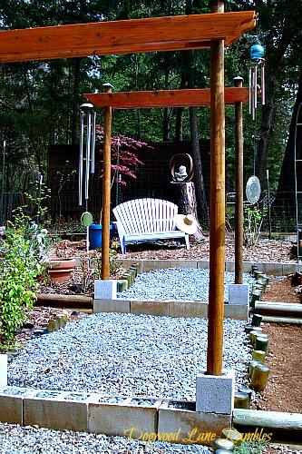 garden bench dogwoodlanerambles.blogspot.com