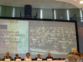 *2010 : 50 YEARS OF TRAINEESHIPS AT THE EUROPEAN COMMISSION*