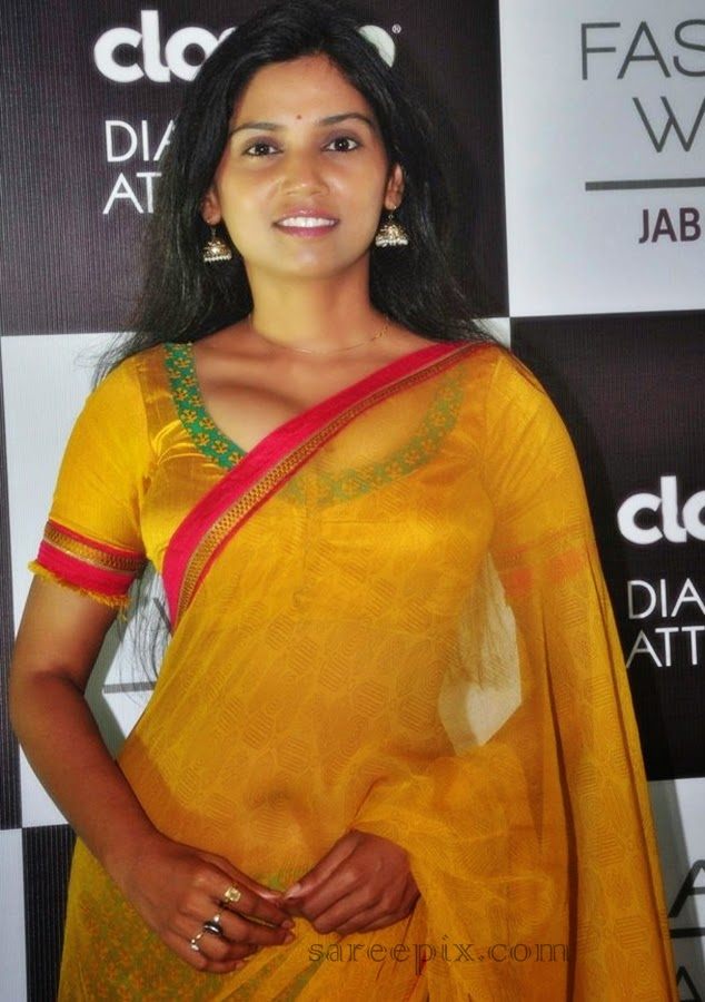 Marathi-actress-Usha-jadhav-transparent-saree