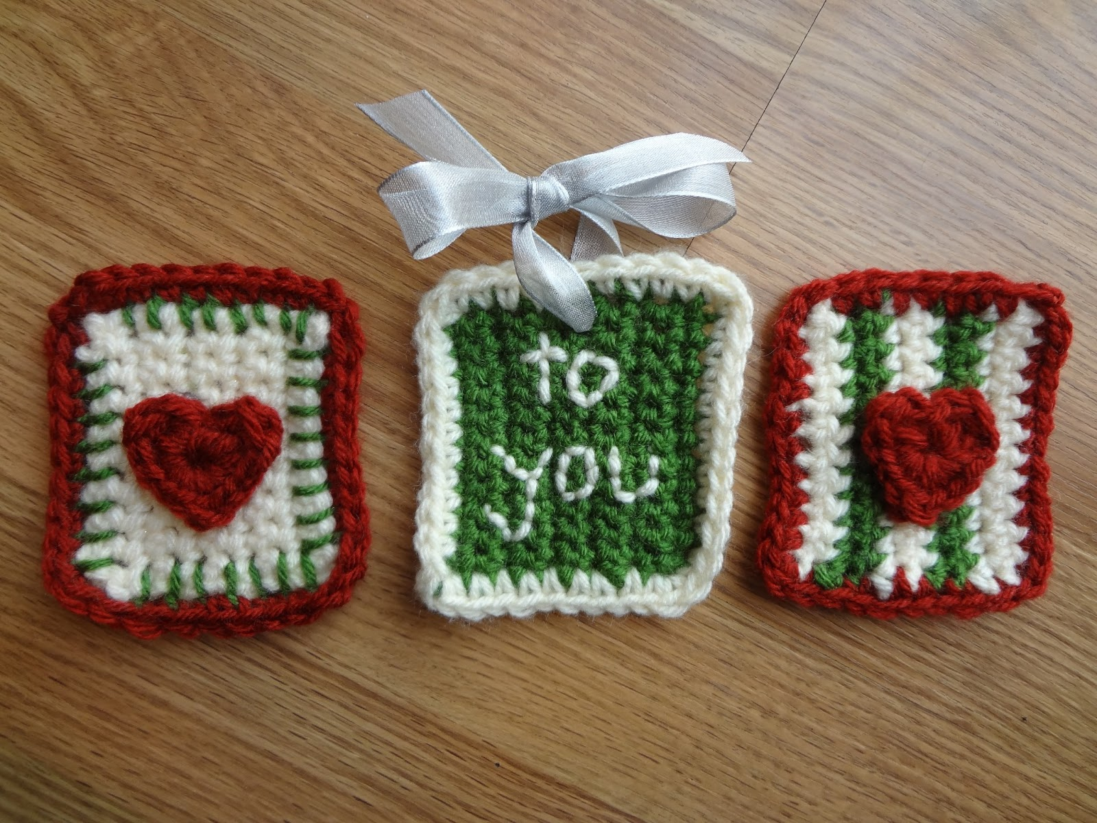 Crochet Patterns Gifts : Fiber Flux: Free Crochet Pattern...Stitchy Gift Tags!