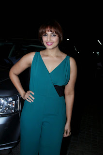 Huma Quereshi in Sadhna Cut and Green Deep Neck Sleeveless Jumpsuit at Shamitabh Screening