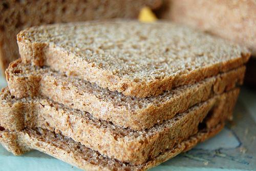 http://2.bp.blogspot.com/-anx3F_T9awA/ThFR7BAaqXI/AAAAAAAAAi4/JB5k9q7rXVA/s1600/whole+wheat+bread.jpg