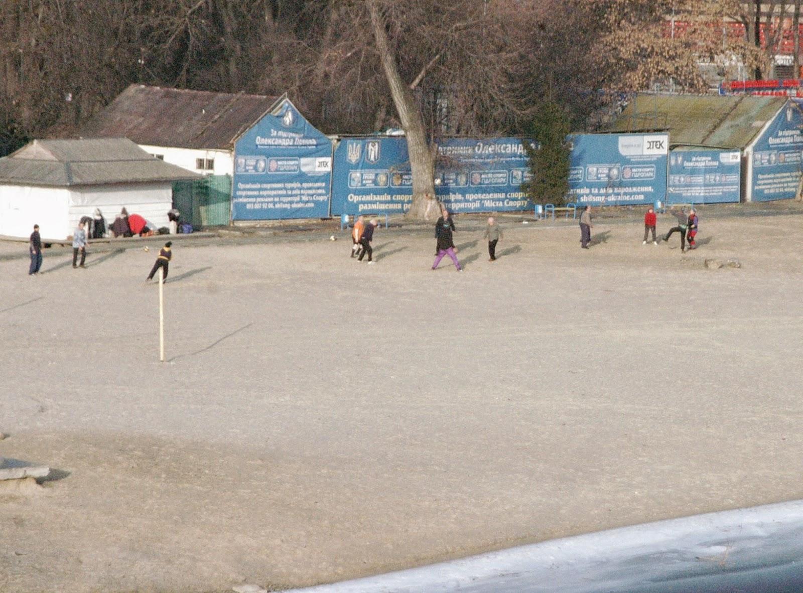 Фото Виталия Бабенко:волейболисты-пенсионеры
