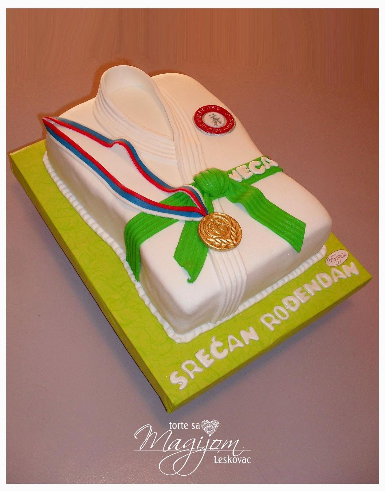 Torte sa magijom leskovac karate kimono torta for Decorazione torte karate