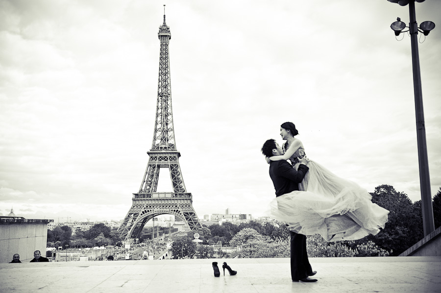 Pre Wedding Photo Shoot In Paris By Janis Ratnieks Photographer Chelsea London I