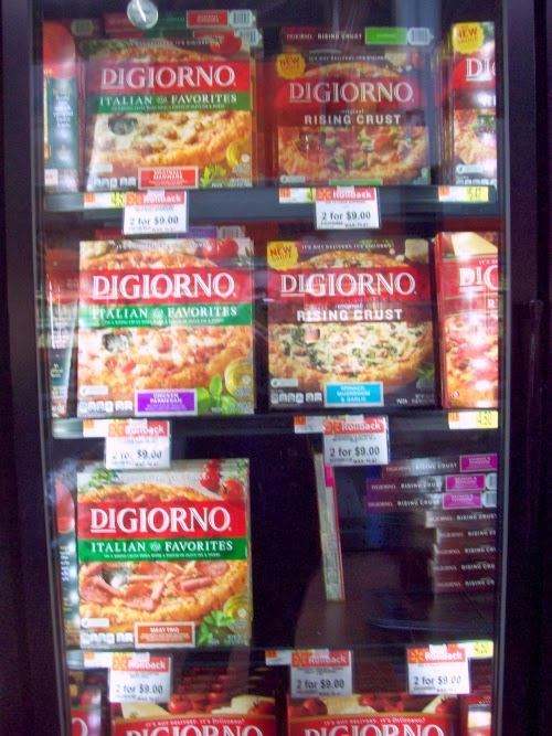 Pizza Freezer %23shop Football Pizza with DiGiorno #GameTimeGoodies
