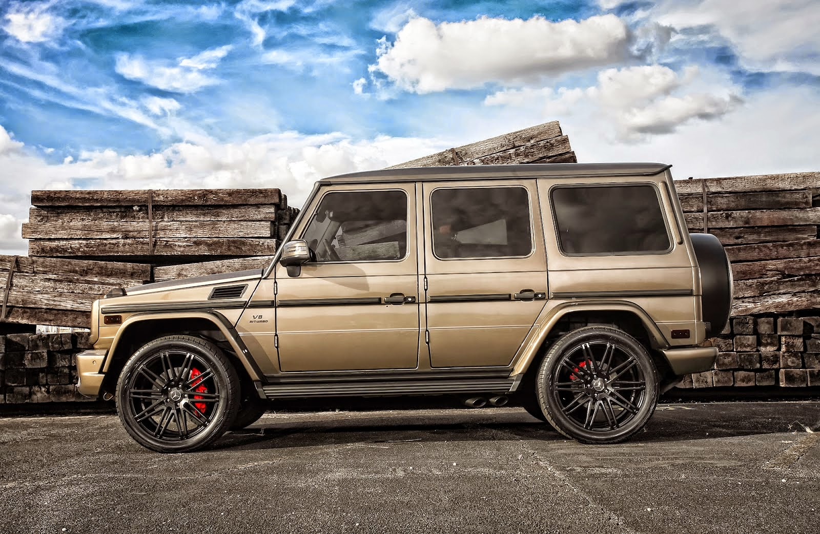 mercedes benz g63 amg on 22 inch xo luxury milan wheels benztuning. Black Bedroom Furniture Sets. Home Design Ideas