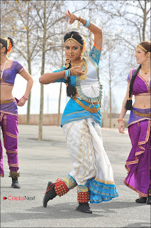 Amala Paul Latest  Pictures from Iddarammayilatho Telugu Movie  0016.jpg